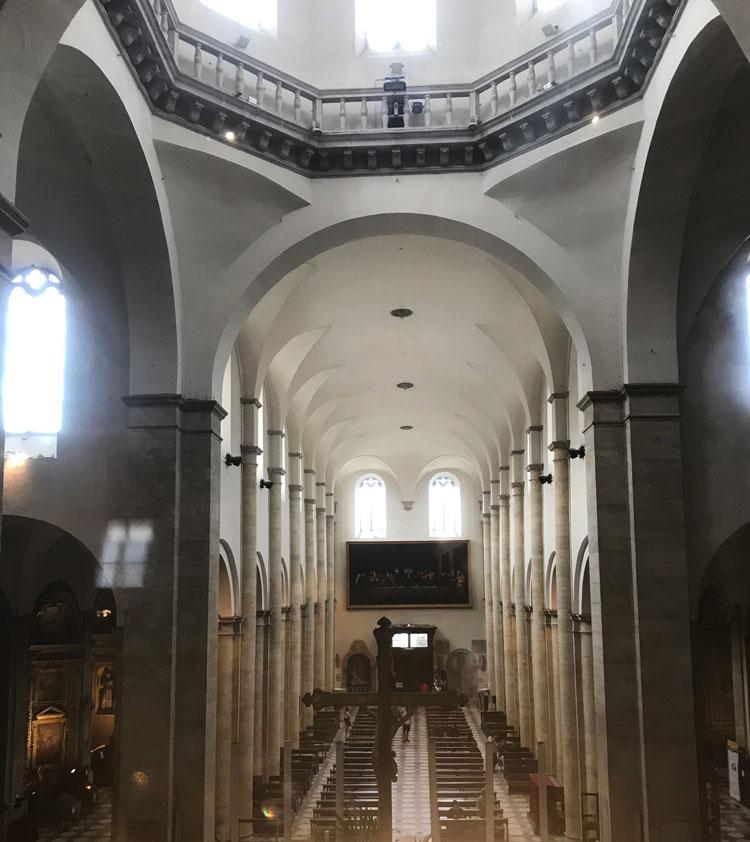 トリノ王宮の礼拝堂からドゥオーモが見える