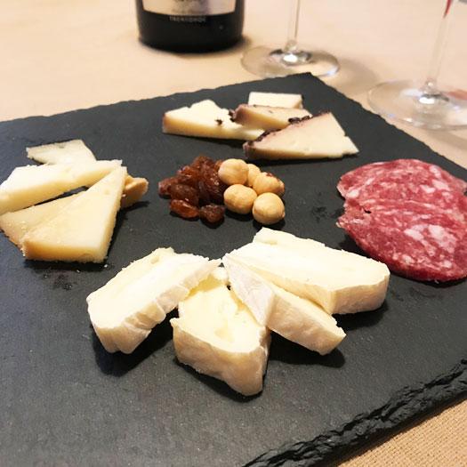 ピエモンテのチーズとサラミ