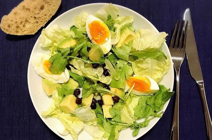 暑いときに大活躍のサラダだけの夕食