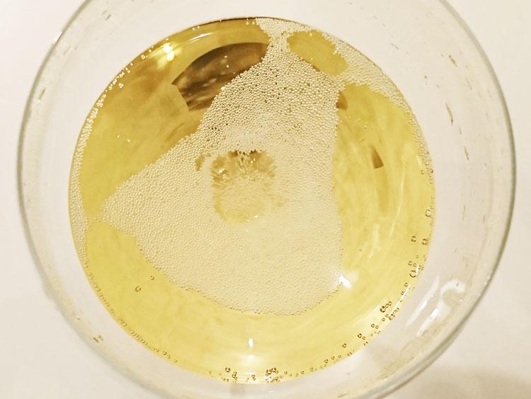 スパークリングワインの泡