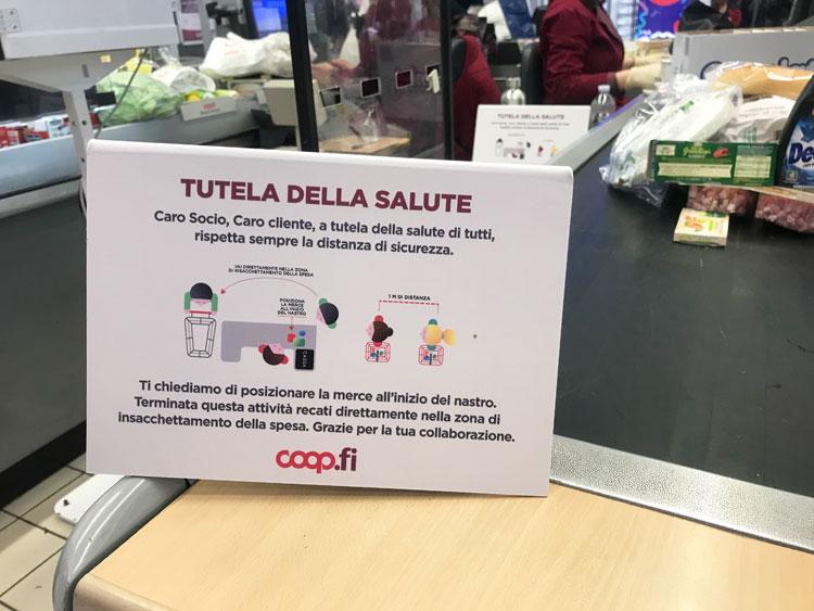 イタリアのスーパーのコロナウイルス対策