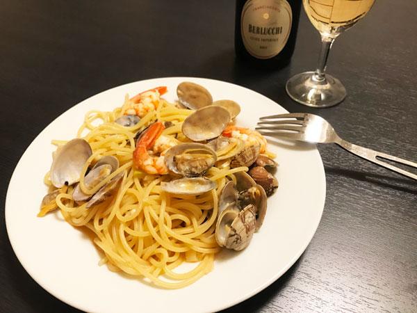 スパークリングワインとスパゲッティー