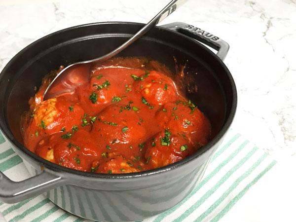 チキンボールのトマトソース煮込み